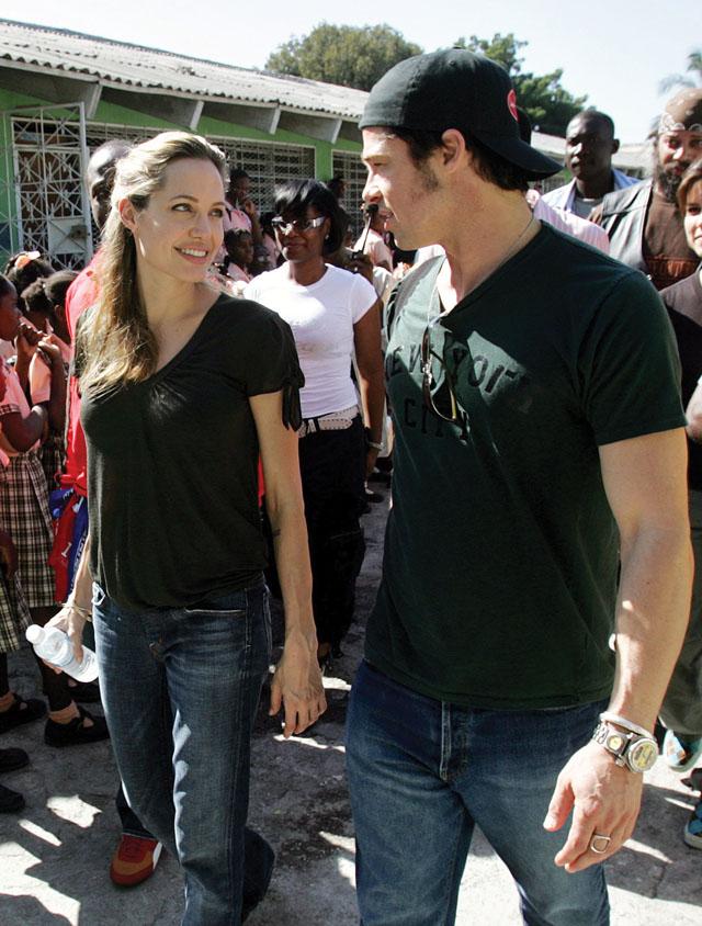 Mujer Quiere Ser Angelina Jolie >> Brad Pitt y Angelina Jolie, ¡Ya son marido y mujer! - Revista Cosas Ecuador